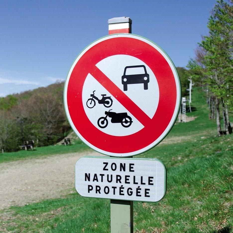 Signalétique pour le plan de circulation, piste interdite à la circulation © Nathalie Thomas