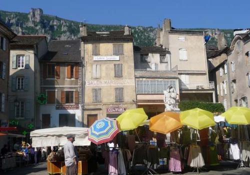 Florac, le marché © Catherine Vambairgue PNC