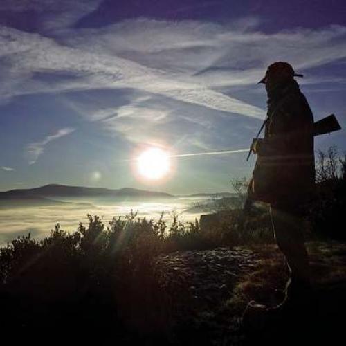 Chasseur au lever du soleil © Julien Marie PNC