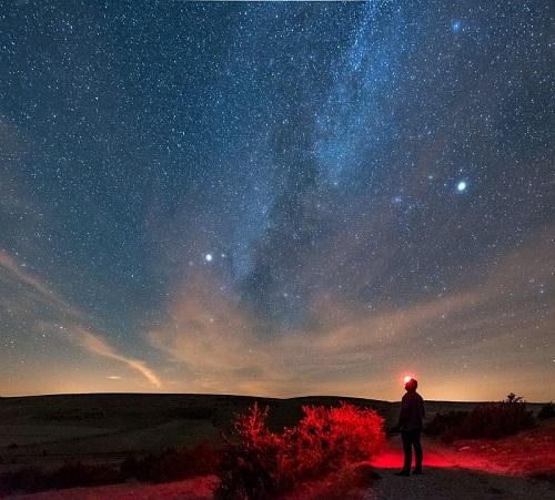 Observation des étoiles à 21h le 20 septembre © Etienne Jammes - Parc national des Cévennes